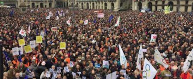 Tutti uniti contro i no-Tav e la Appendino. A Torino la carica bipartisan dei 40mila