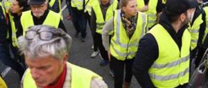 """Francia, è morta una manifestante: era in piazza con i """"gilet gialli"""" contro il caro-carburante"""
