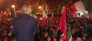 Simone Di Stefano parla ai militanti radunati a Trieste