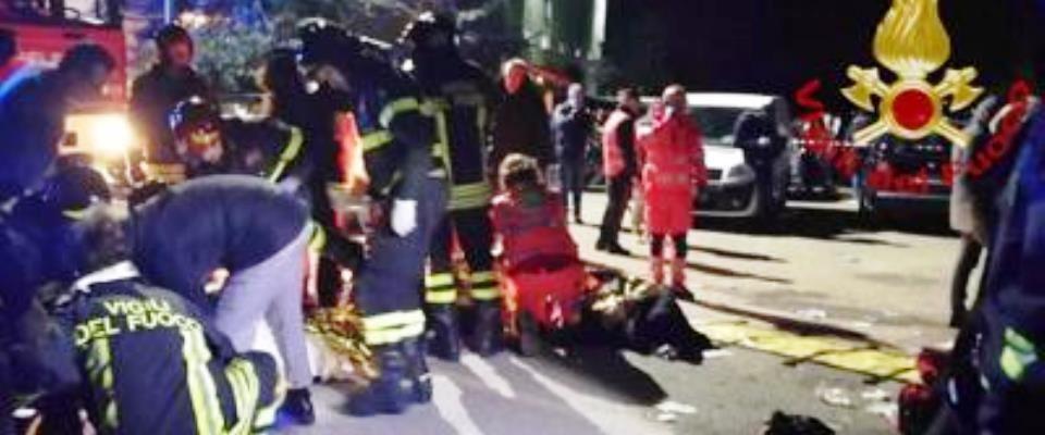 Corinaldo, tragedia alla discoteca Lanterna Azzurra: 6 morti per la calca provocata da uno spray urticante