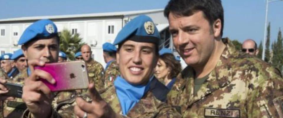 Matteo Renzi in divisa