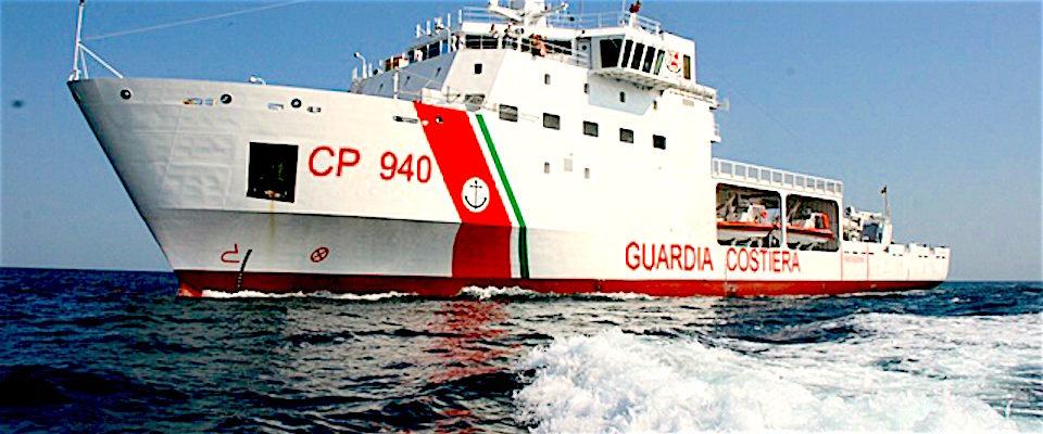 La Nave Dattilo della Guardia Costiera italiana