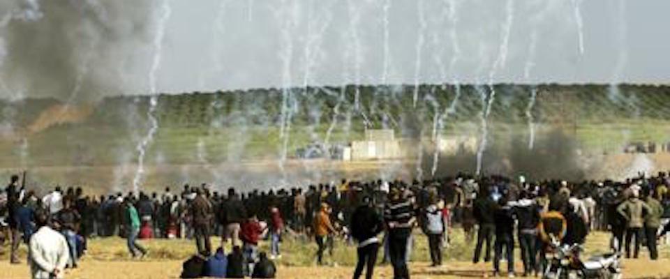 Israele, scontri al confine con Gaza