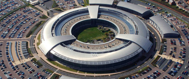 La sede della GCHQ, l'agenzia di intelligence cibernetica britannica che ha boccato la tecnologia radio Huawei nelle reti 5G di prossima generazione considerandola scadente