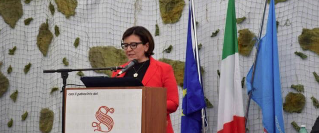 Scontro fra la leader di FdI Giorgia Meloni e il ministro della Difesa Elisabetta Trenta