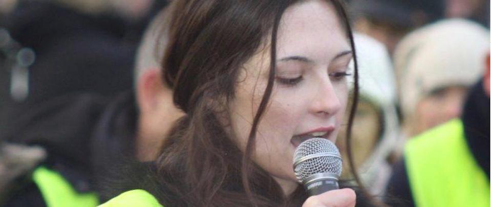 L'anti-Greta, la quindicenne sovranista svedese Izabella Nilsson Jarvandi