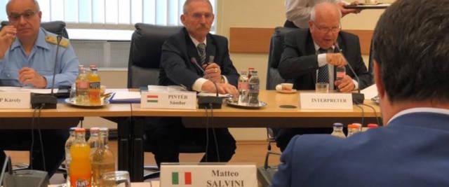 Matteo Salvini con il suo omologo ungherese, Sándor Pintér_2