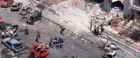 Via D'Amelio devastata dall'esplosione dell'autobomba che ha ucciso Paolo Borsellino e la sua scorta