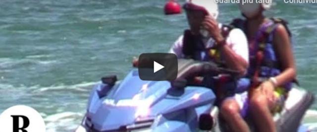 Un frame del filmato che riprende il figlio di Salvini sulla moto d'acqua
