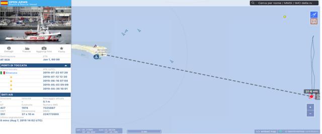 La traccia Ais di Open Arms che si trova a circa 30 miglia nautiche da lampedusa e continua a pendolare lungo una rotta nord-sud nell'attesa di forzare il blocco