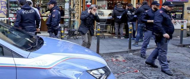 agenti polizia di Stato foto Ansa