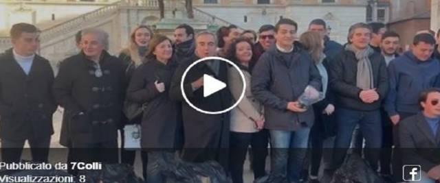 Gasparri in Campidoglio da un video dalla pagina Facebook 7 Colli