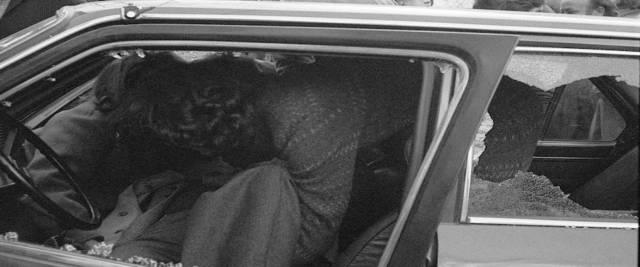OMICIDIO MATTARELLA , Il corpo del presidente della Regione Sicilia Piersanti Mattarella ucciso dalla mafia in via Liberta', Palermo, il 6 gennaio 1980. ANSA