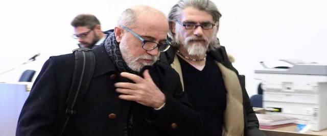 OMICIDIO MATTARELLA, Gilberto Cavallini con líamico giornalista Massimiliano Mazzanti (D) durante una pausa del processo a Bologna, 09 Gennaio 2020. ANSA/GIORGIO