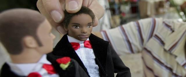 Dalla Russia arriva la prima bambola transgender foto Ansa