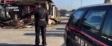 sassaiola dei rom contro le auto a Castel romano foto Ansa
