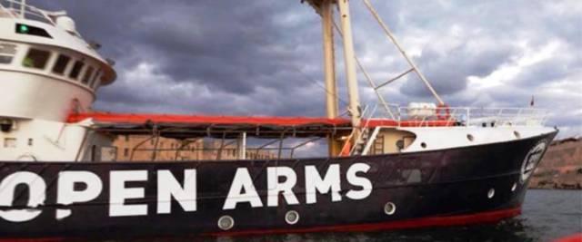 Libia - la Open Arms scarica altri 363 immigrati