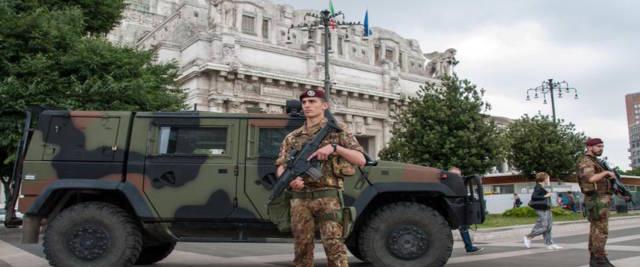 Esercito a Milano foto Ansa