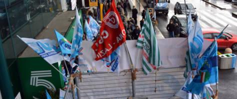 sindacati a Fiumicino foto Ansa