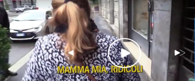 La mamma di Silvia Romano, frame da video in tv su Mediaset