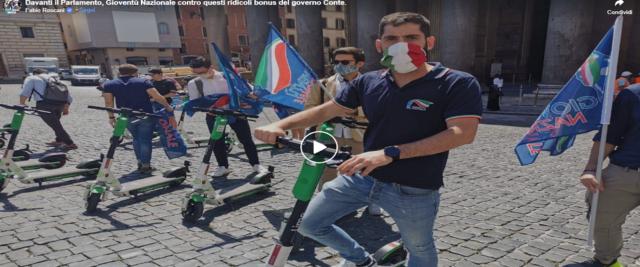 Gioventù Nazionale contro il Dl rilancio e i monopattini del governo, frame da video dalla pagina Fb di Fabio Roscani