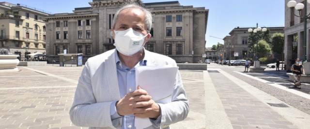 Il direttore del dipartimento di Medicina molecolare e virologica dell'Università di Padova, Andrea Crisanti, foto Ansa