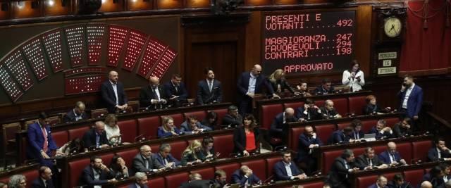 la denuncia FdI il Parlamento trattato da orpello foto Ansa