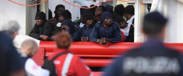 Migranti e Ong foto Ansa