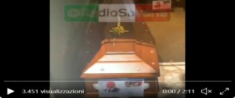 Orrore al cimitero di Palermo frame da video Twitter di Radio Savana
