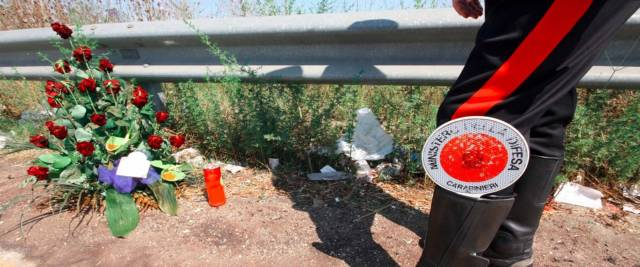 morti 3 ragazzi in bici elettrica foto Ansa