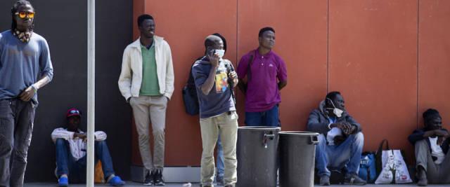 migranti fuggiti quarantena