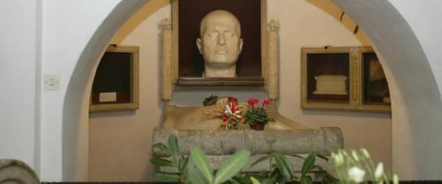 cripta di Mussolini