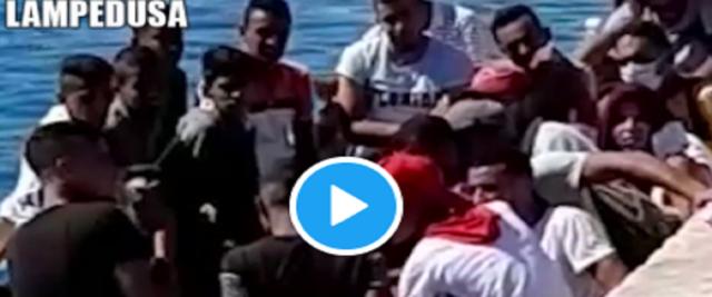 migranti frame da video su Twitter di Salvini