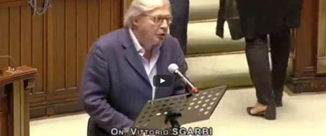 Covid, Sgarbi contro il virus e il governo frame da video del canale Youtube del critico