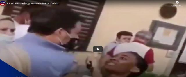 aggressione a Salvini frame da video Youtube del Tgcom24
