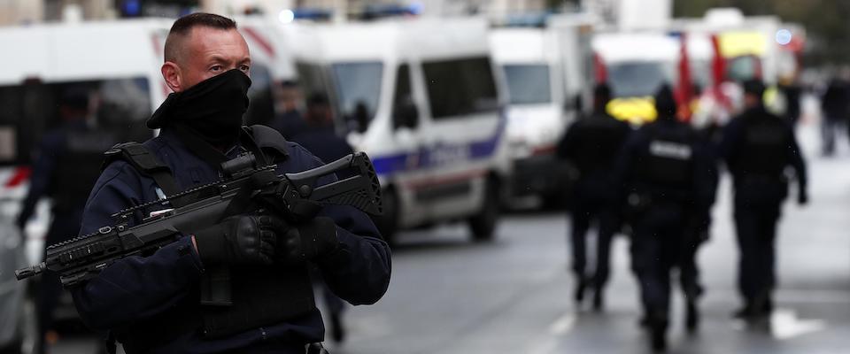 parigi terrorista italia