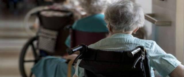 stupra malata di Alzheimer