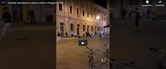 Paura a Reggio Emilia spari in piazza frame e video da Youtube