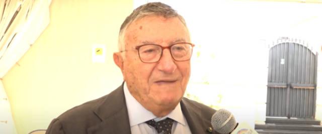 Giulio Tarro: «Si continua a sbagliare e a non dire la verità sul Covid, persino sulle terapie intensive»