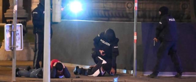 Vienna colpita dai terroristi