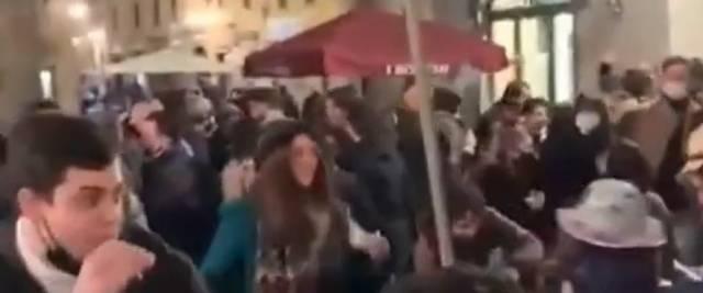 assembramenti Lucca