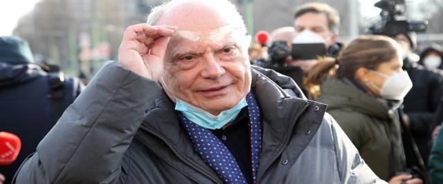 Galli al governo su Italia multicolor