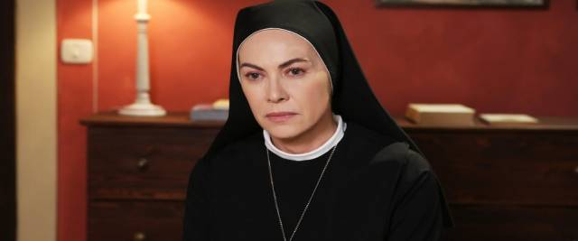 Suor Angela batte il Papa