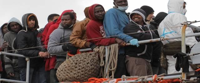 migranti con cadavere a Porto Empedocle