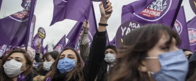 turchia violenza donne protesta