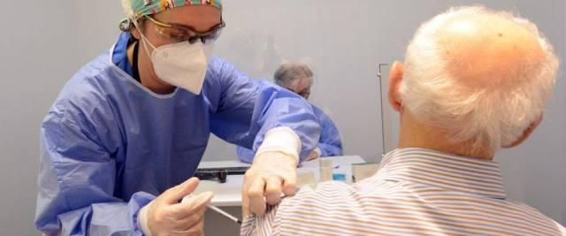 vaccini agli anziani