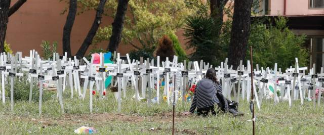 feti sepoliti cimitero Flaminio