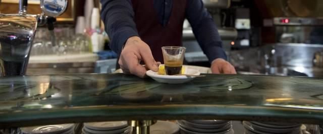 caffé bar in zona gialla