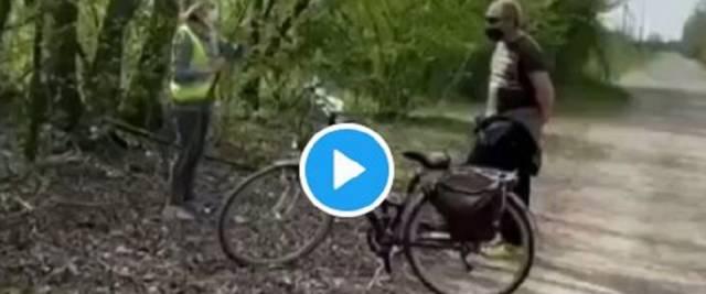 anziana minaccia amici nei boschi