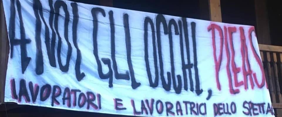 protesta lavoratori spettacolo Globe di Proietti
